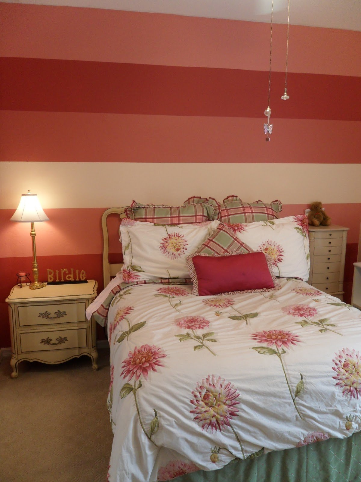 Best Lc Design Striped Bedroom Walls With Pictures