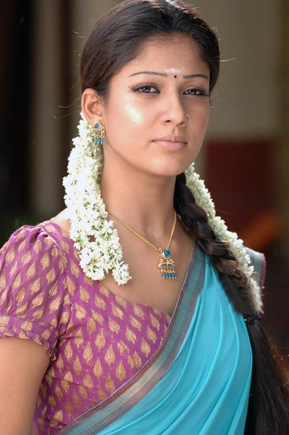 Best Glamorous Girls Nayantara Hot And Romantic With Pictures