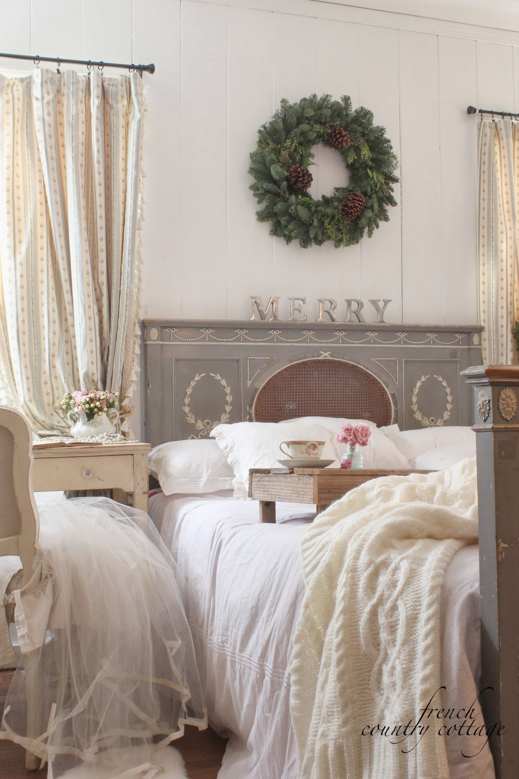 Best A Little Bit Merry Cottage Bedroom Christmas Details With Pictures
