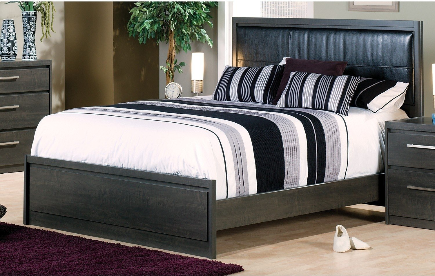 Best Tyler Queen Bed The Brick With Pictures
