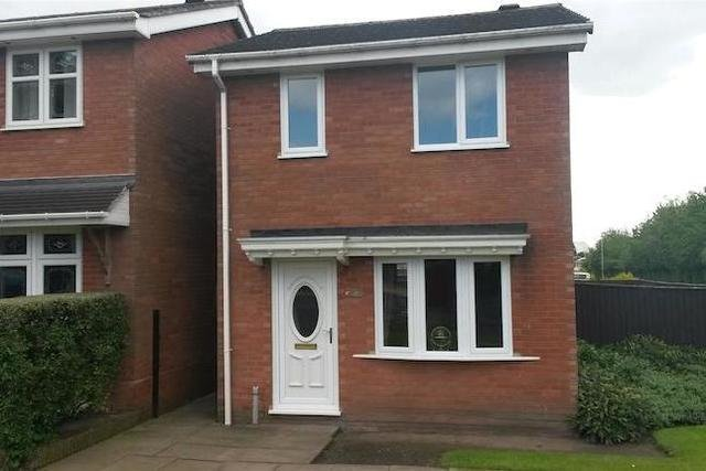 Best 2 Bedroom Detached House For Sale In North View Drive With Pictures