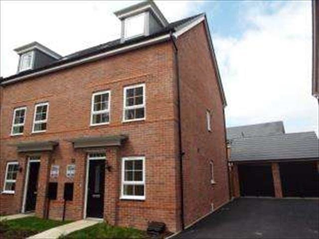 Best 3 Bedroom Town House For Sale In Barnfield Road Tipton Dy4 With Pictures