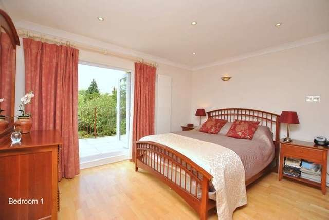 Best 4 Bedroom Detached House For Sale In Manor Road Reigate Rh2 With Pictures