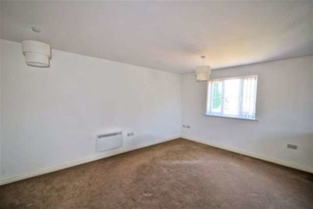 Best 2 Bedroom Flat To Rent In Burberry Avenue Hucknall With Pictures