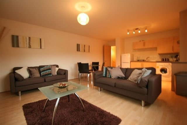 Best 2 Bedroom Flat To Rent In Edinburgh Road Glasgow G33 With Pictures