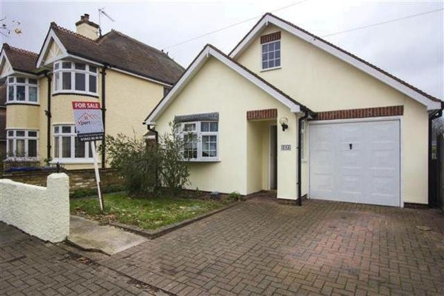 Best 2 Bedroom Detached Bungalow For Sale In Spenser Road Herne With Pictures