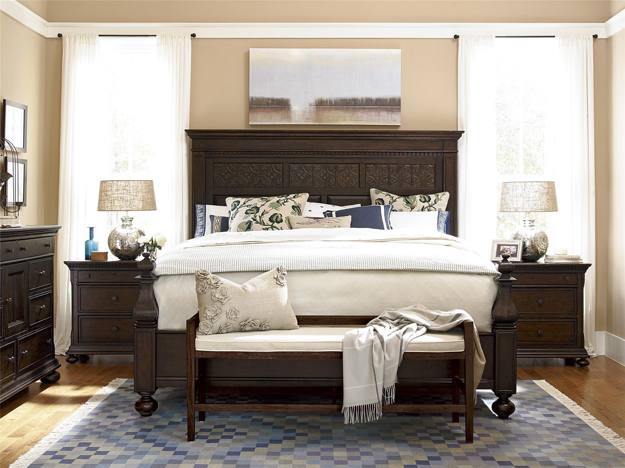 Best Down Home Aunt Peggy S Bed Queen By Universal With Pictures