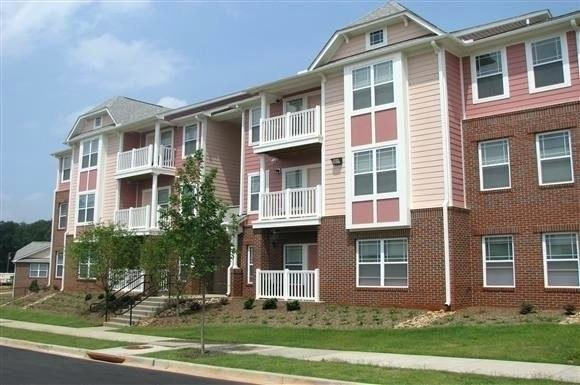 Best One Bedroom Apartments In Greenville Sc Located In South With Pictures