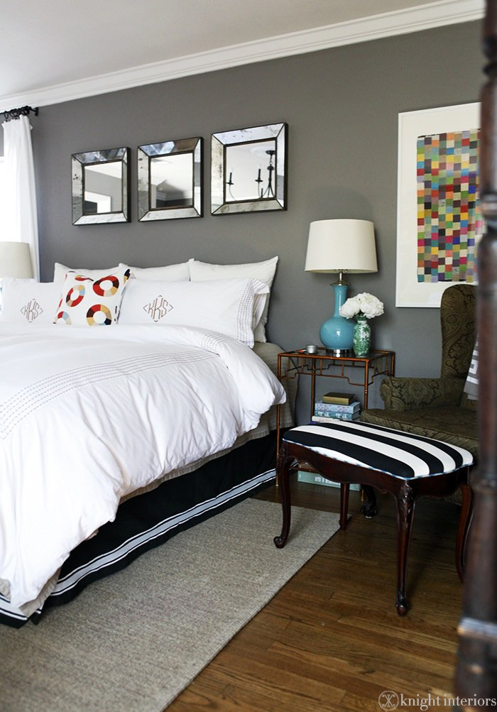 Best Knight Moves Color Balance In The Guest Room With Pictures