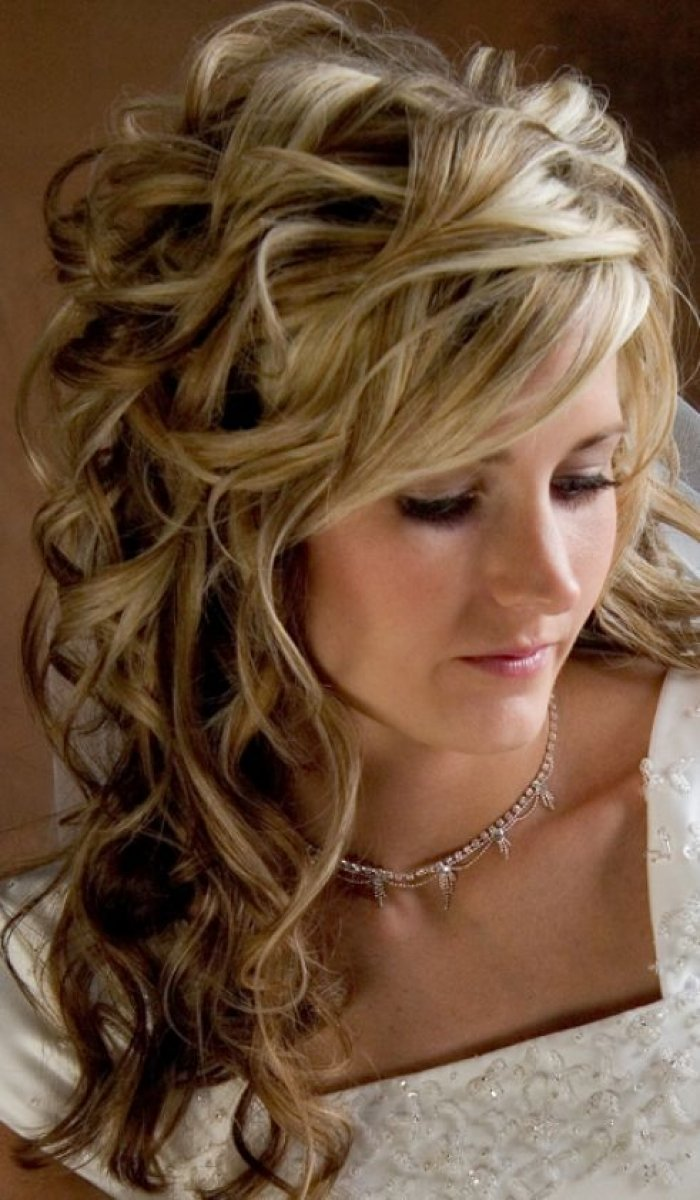 Free Good 2014 Hairstyles Prom Hairstyles For Long Hair Down Curly Wallpaper