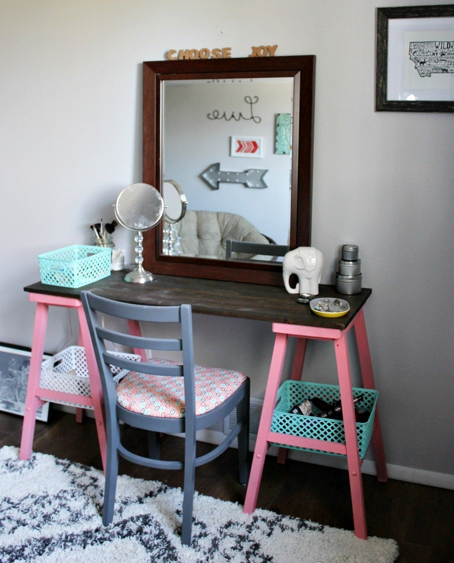 Best Beyond The Picket Fence T**N Attic Bedroom An Easy Vanity With Pictures