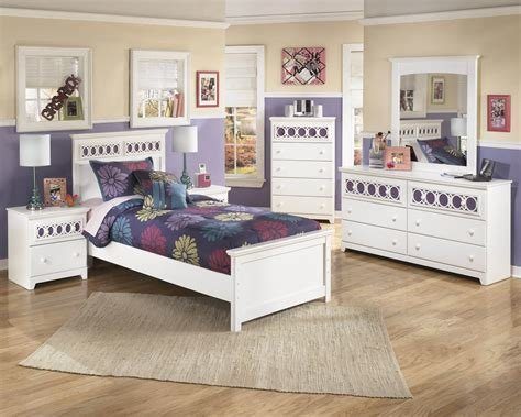 Best Ashley 'Zayley' White Bedroom Set Kids Bedroom Sets With Pictures