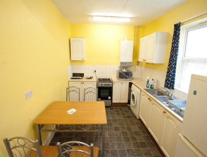 Best 1 Bedroom To Rent In A Spacious 4 Bedroom House In Central Coventry With Large Lounge Kitchen With Pictures