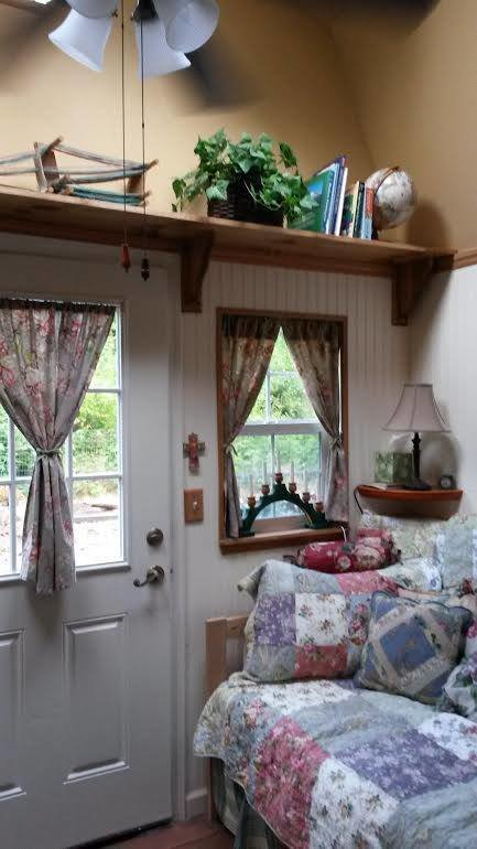 Best Woman Converts Barn Shed Into 192 Sq Ft Tiny Home With Pictures
