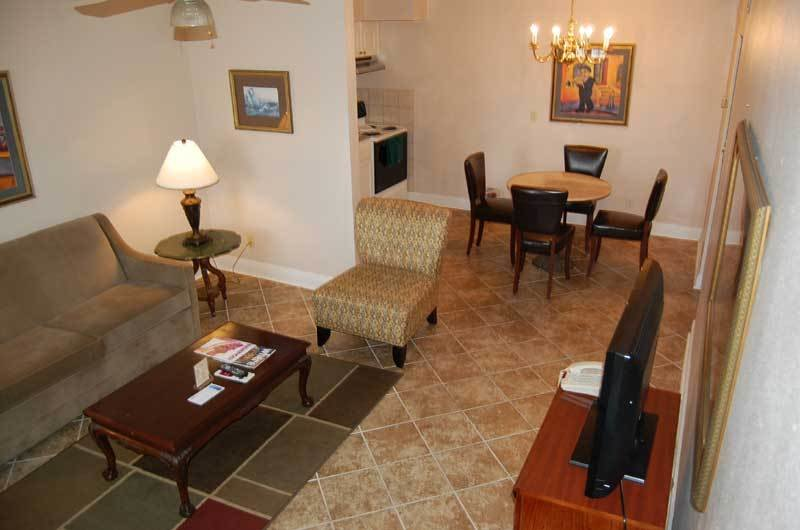 Best Suites And Rooms French Quarter Suites Hotel New Orleans With Pictures