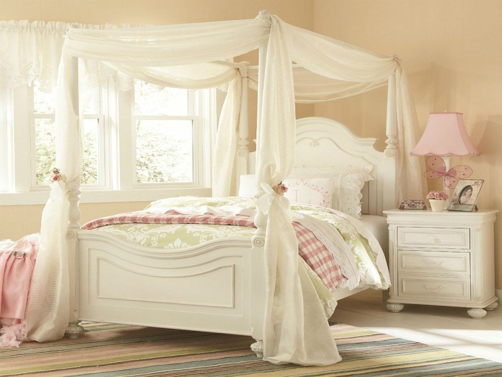 Best Classic Kids Charlotte Poster Canopy Bedroom Set In Antique White Designs With Pictures