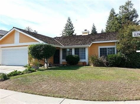Best Sacramento 4 Bedroom 2 Bath Home Includes Separate Family And Living Rooms For Rent Lease From With Pictures