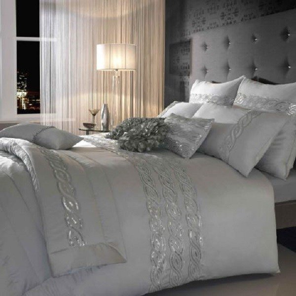 Best Choosing Silver Bedroom Décor For A Romantic Touch With Pictures