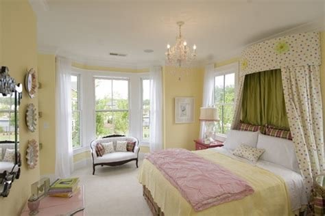 Best Sunny Yellow Wall Color With Pink Blanket For Nice Bedroom With Pictures