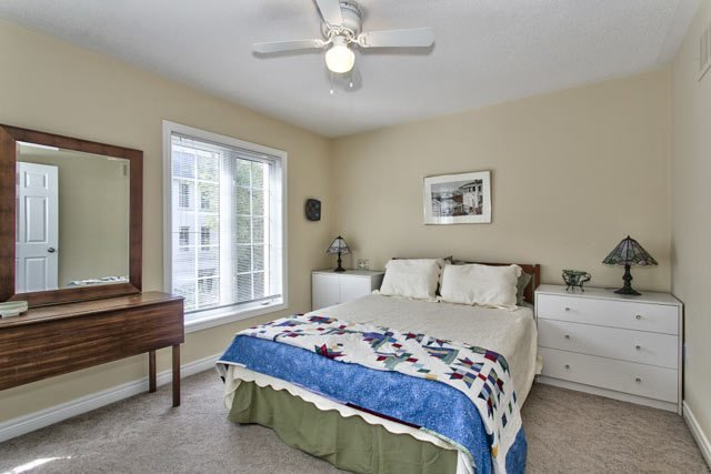 Best 139 John Street Oakville Four Bedroom Freehold Townhome With Pictures