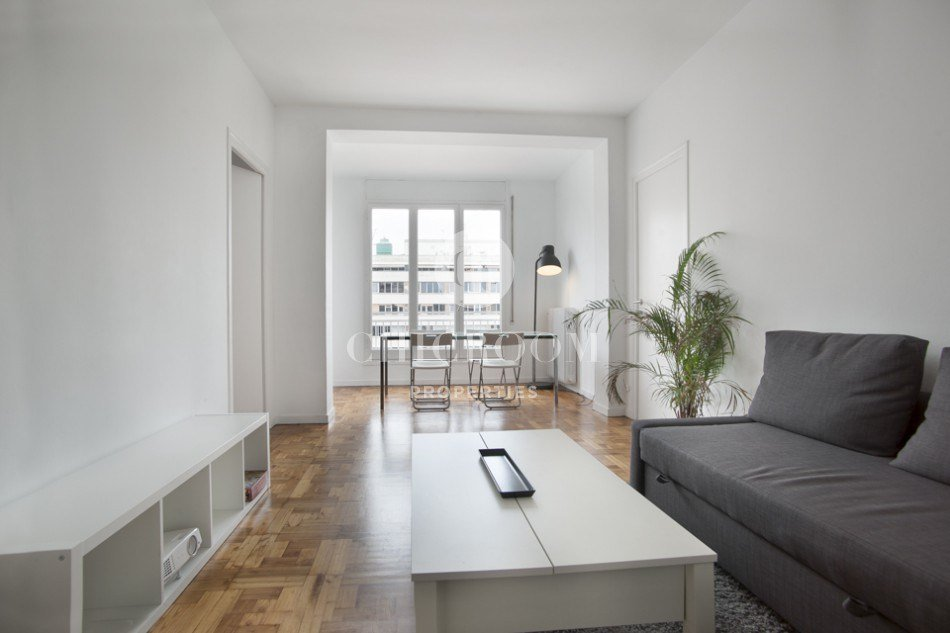 Best Unfurnished 3 Bedroom Apartment For Rent In Eixample With Pictures