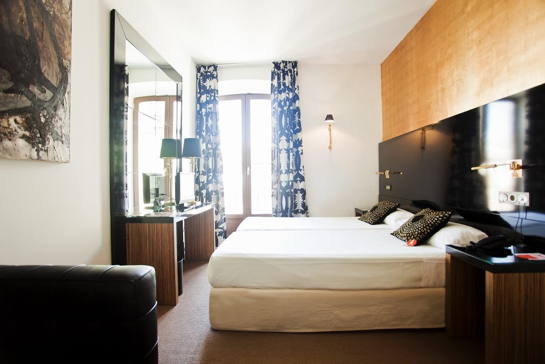 Best Room Mate Leo Granada Stay With Style With Pictures