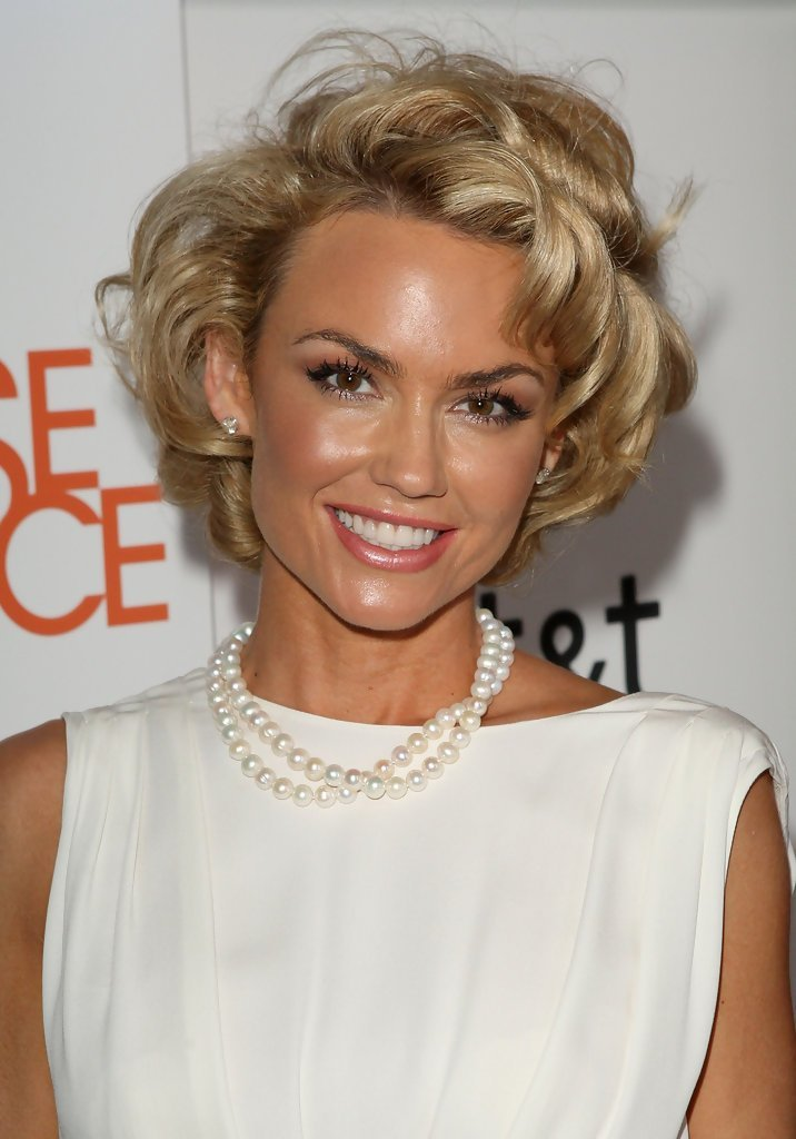 Free Kelly Carlson Short Curls Kelly Carlson Hair Looks Wallpaper
