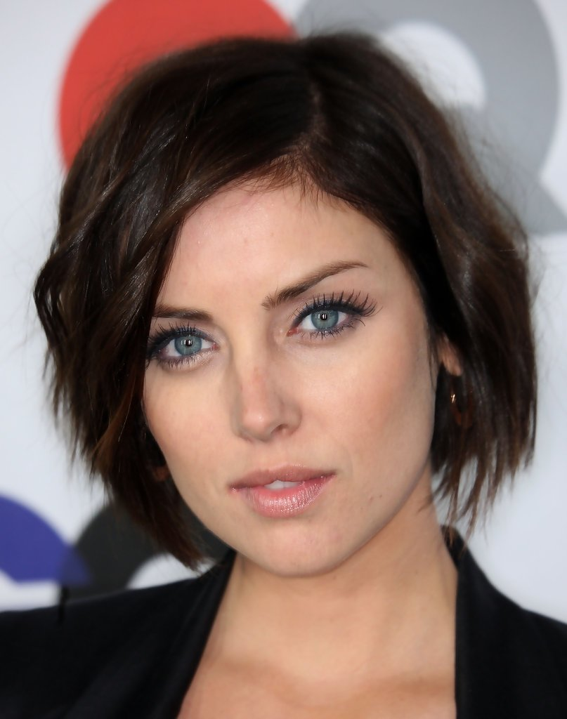 Free Jessica Stroup Hollywood S Best Bob Hairstyles Stylebistro Wallpaper