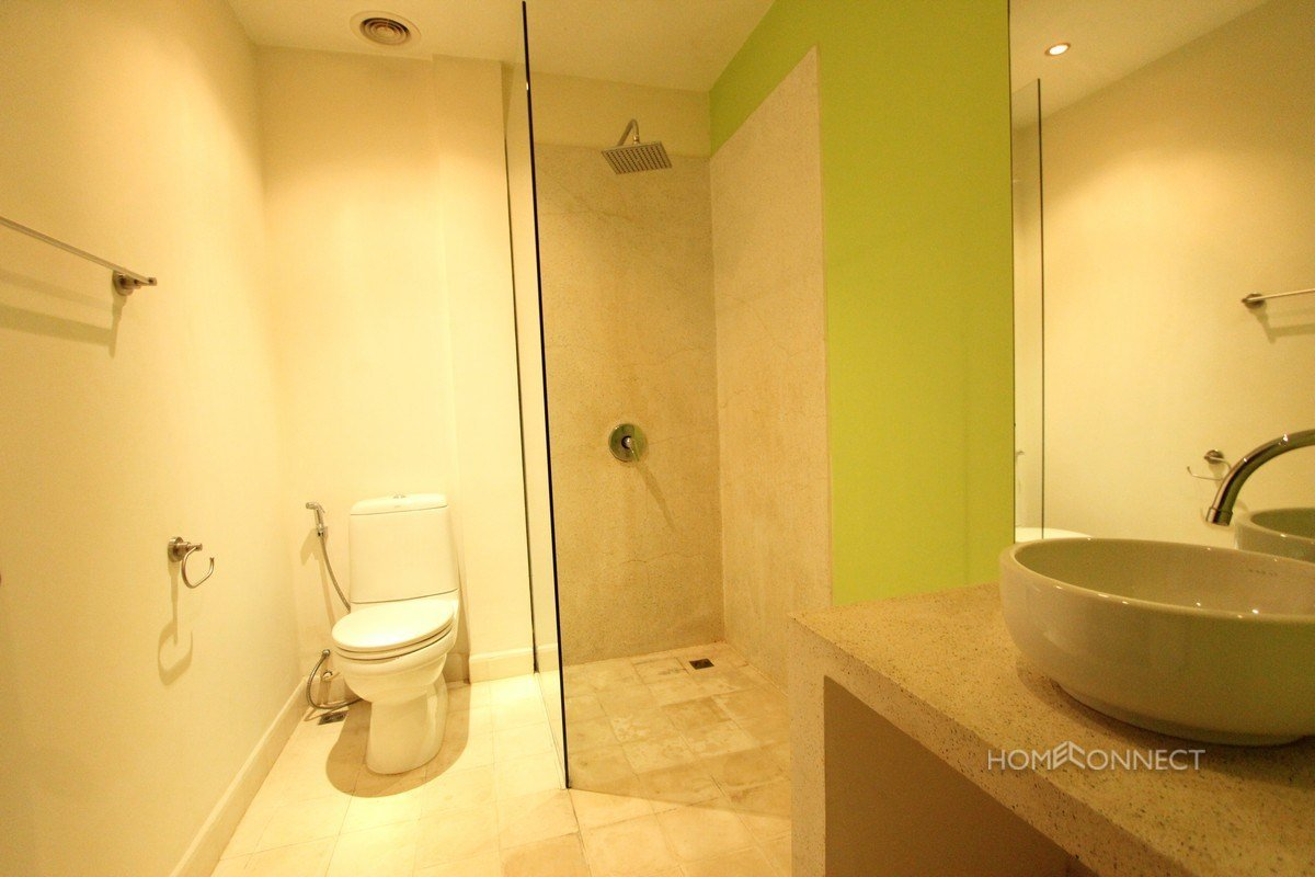 Best Renovated 2 Bedroom 3 Bathroom Apartment For Rent Near With Pictures