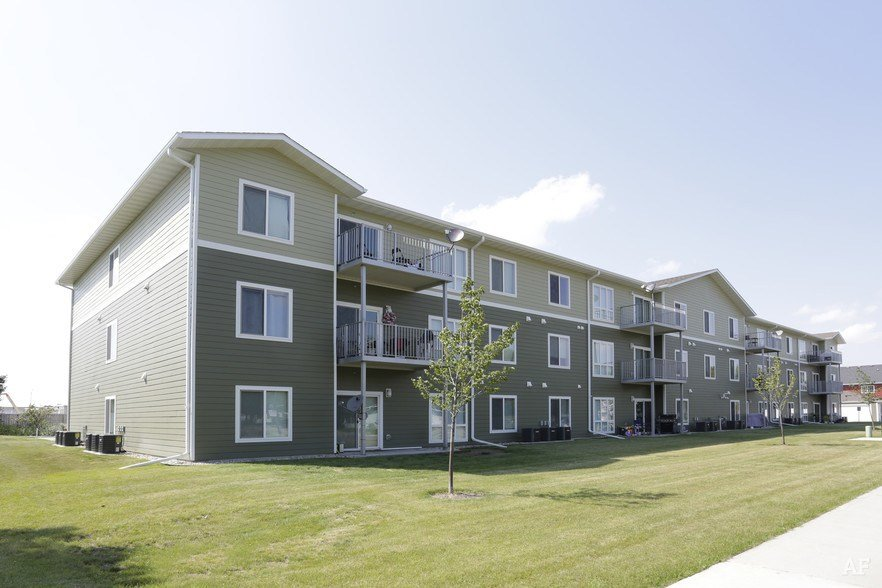 Best Agassiz Apartments Grand Forks Nd Apartment Finder With Pictures