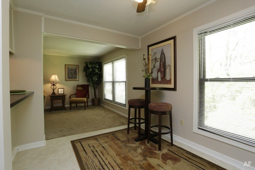 Best Olde Towne Apartments Springfield Il Apartment Finder With Pictures