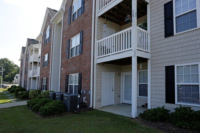 Best Hidden Lake Apartments Fayetteville Nc Apartment Finder With Pictures
