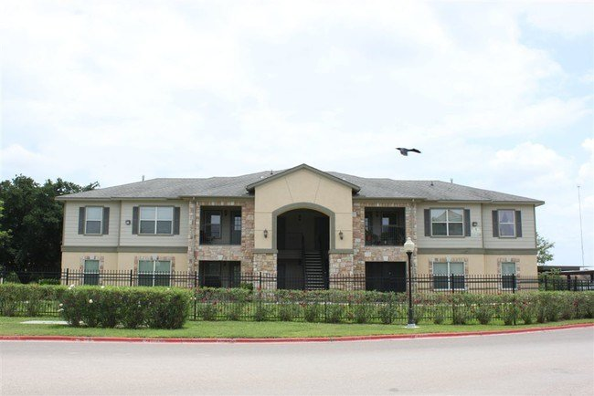 Best The Galilean Apartments Edinburg Tx Apartment Finder With Pictures