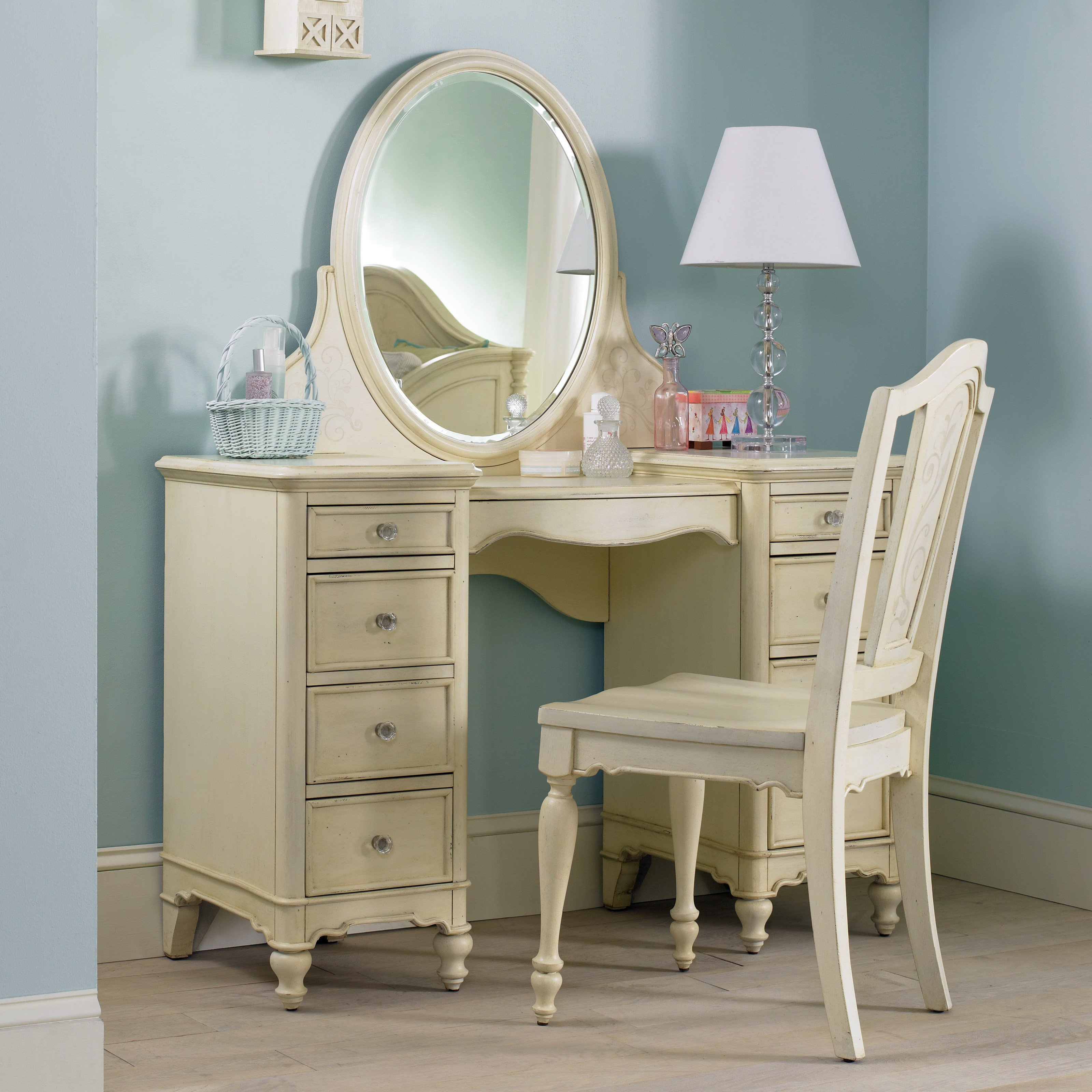 Best H**K*R Furniture Ava Bedroom Vanity Set At Hayneedle With Pictures