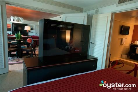 Best The One Bedroom Tower Suite At The Mirage Oyster Com With Pictures