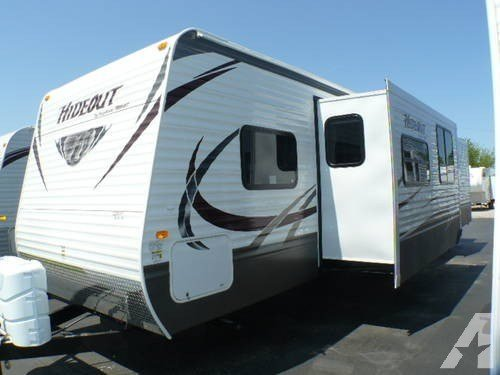 Best 2013 Hideout 38Fqds Travel Trailer 2 Slides 2 Bedrooms For Sale In Clyde Ohio Classified With Pictures
