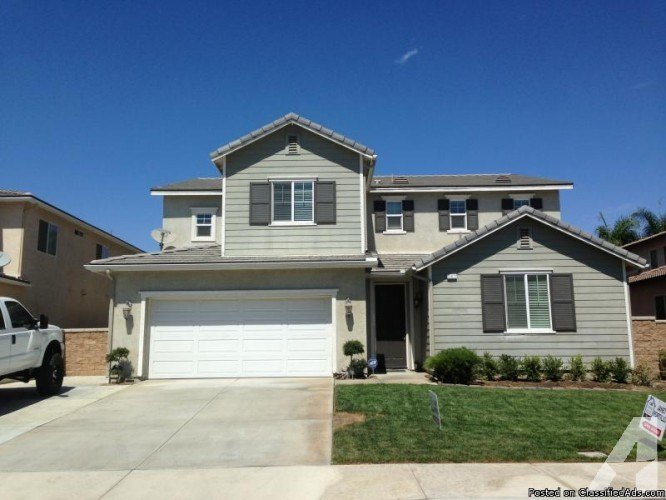 Best Stunning Eastvale 5 Bedroom 4 1 2 Bath 2003 Home For Sale With Pictures