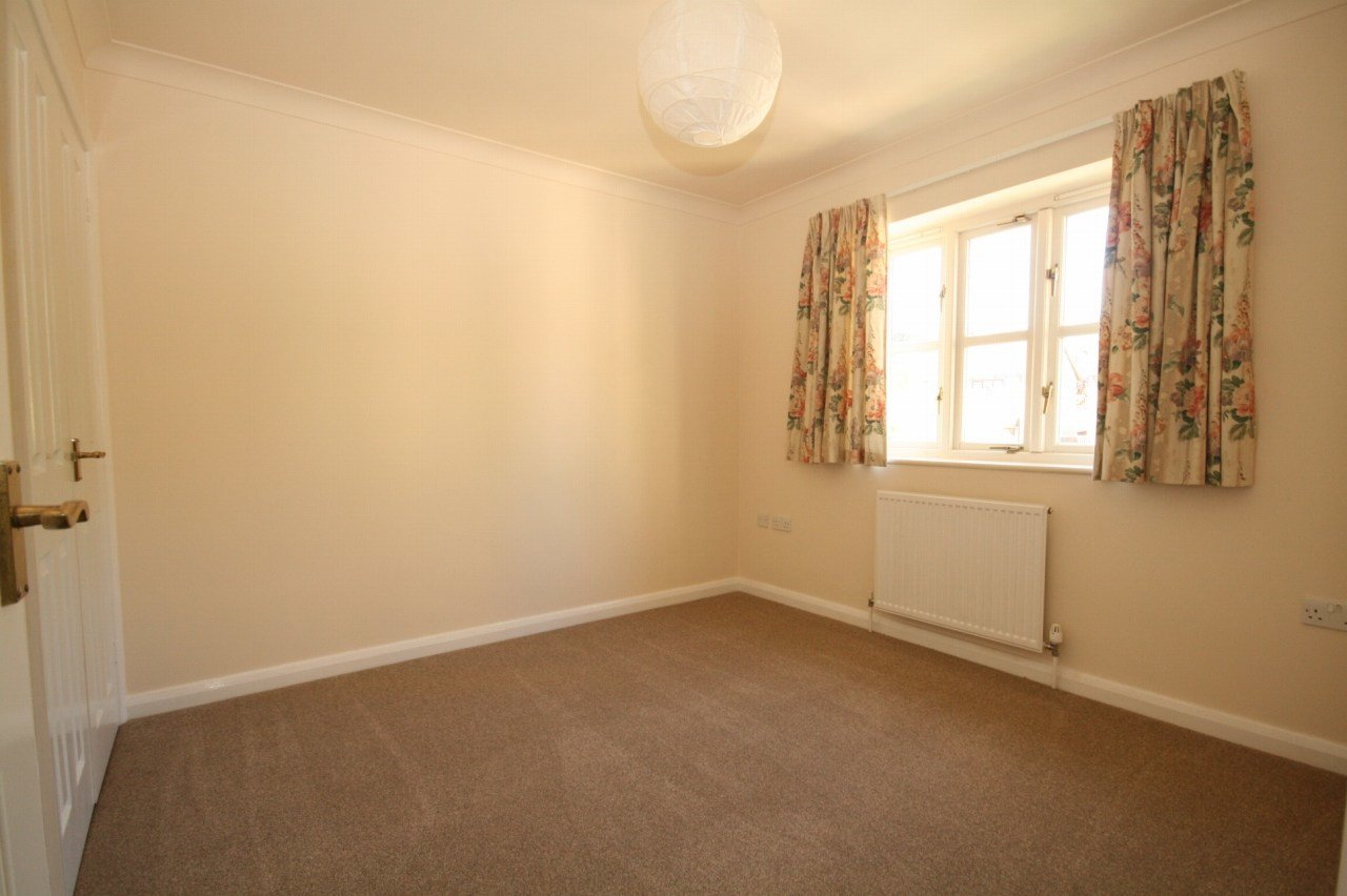 Best 2 Bedroom End Terraced House To Rent In Church Road With Pictures