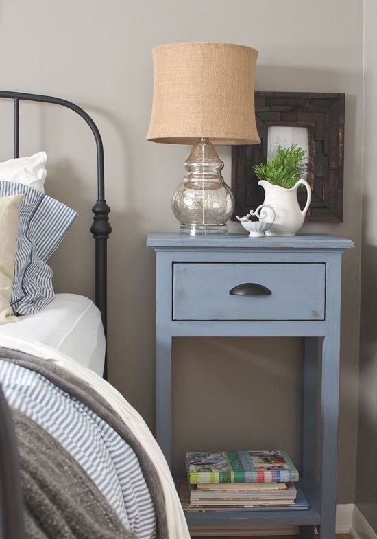 Best 27 Tiny Nightstands For Small Bedrooms Shelterness With Pictures
