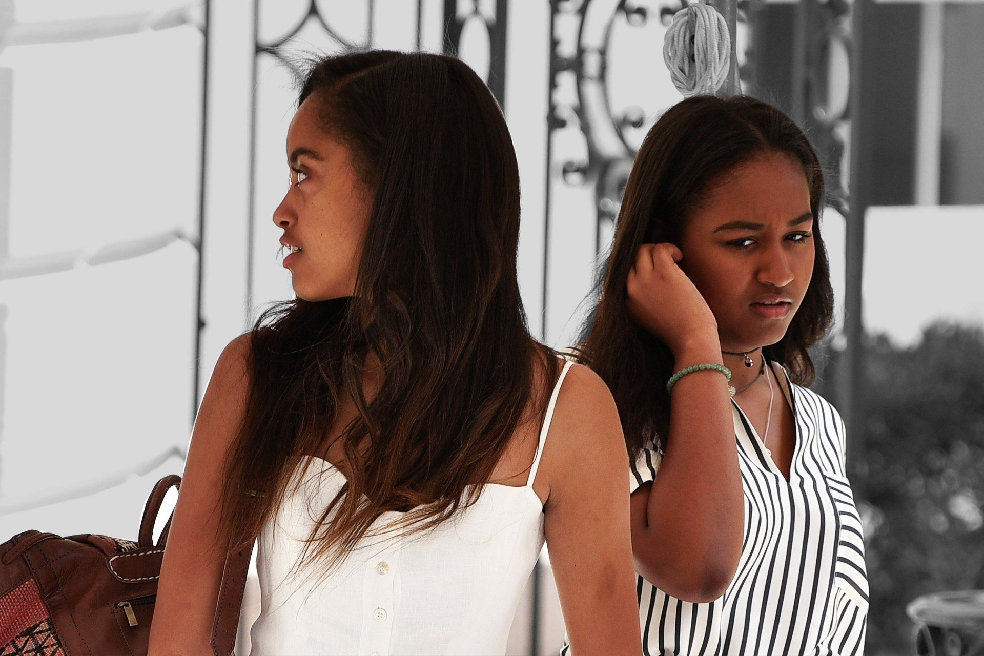 Best White House Bedrooms Daughters Malia And Sasha Obama With Pictures