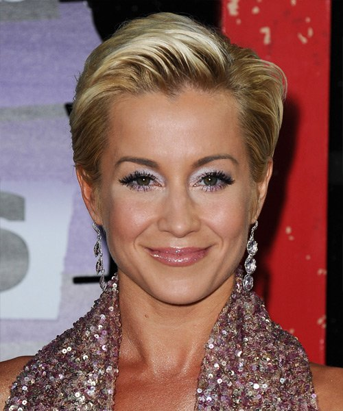 Free Kellie Pickler Short Straight Formal Hairstyle Blonde Hair Color With Light Blonde Highlights Wallpaper