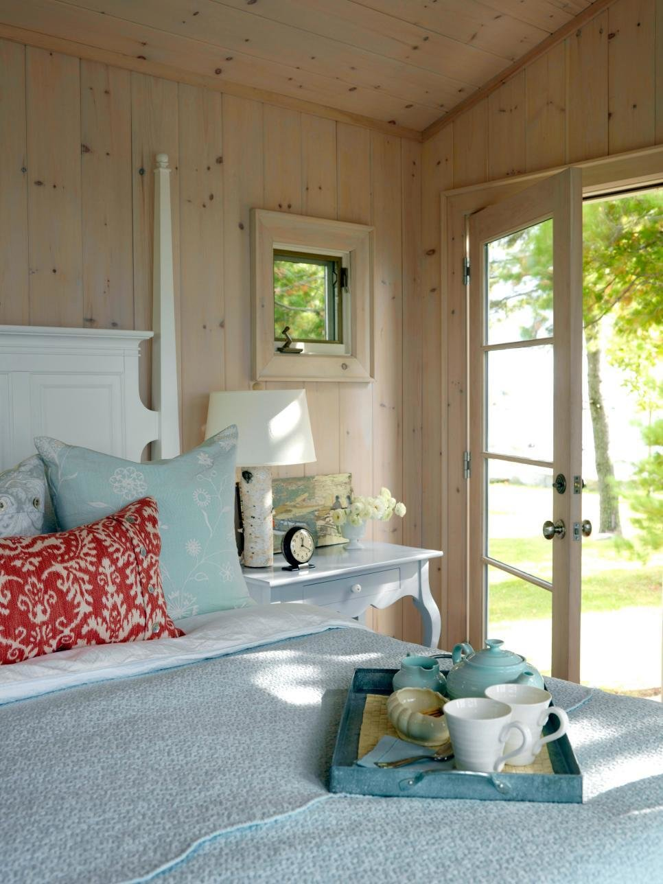 Best 7 Guest Bedroom Design Ideas Hgtv With Pictures