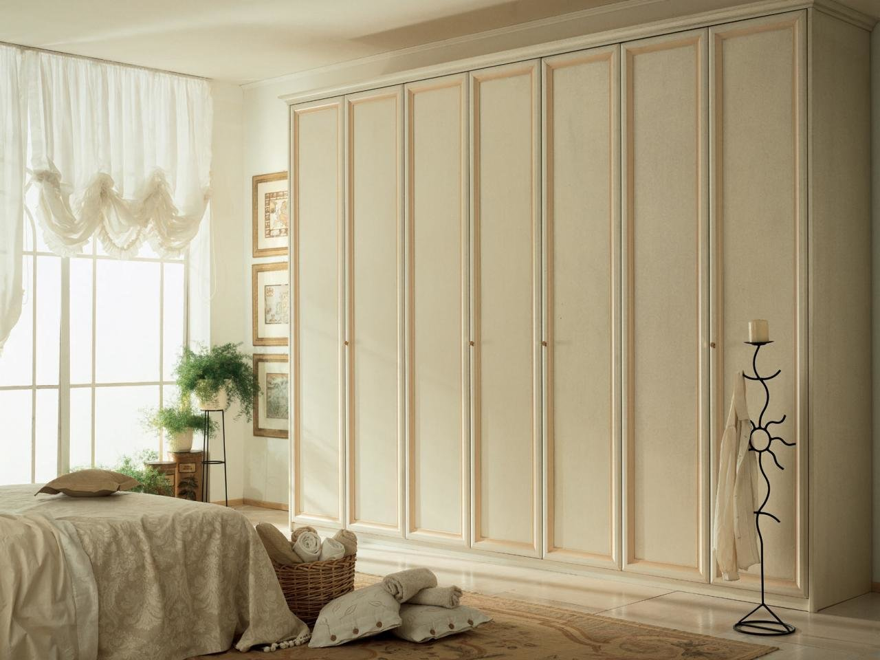 Best Sliding Closet Doors Design Ideas And Options Hgtv With Pictures
