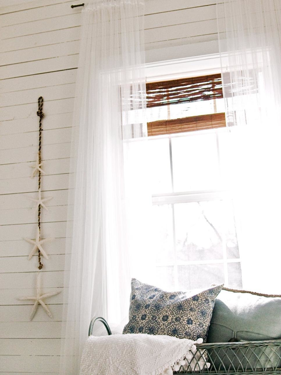 Best 9 Tiny Yet Beautiful Bedrooms Hgtv With Pictures