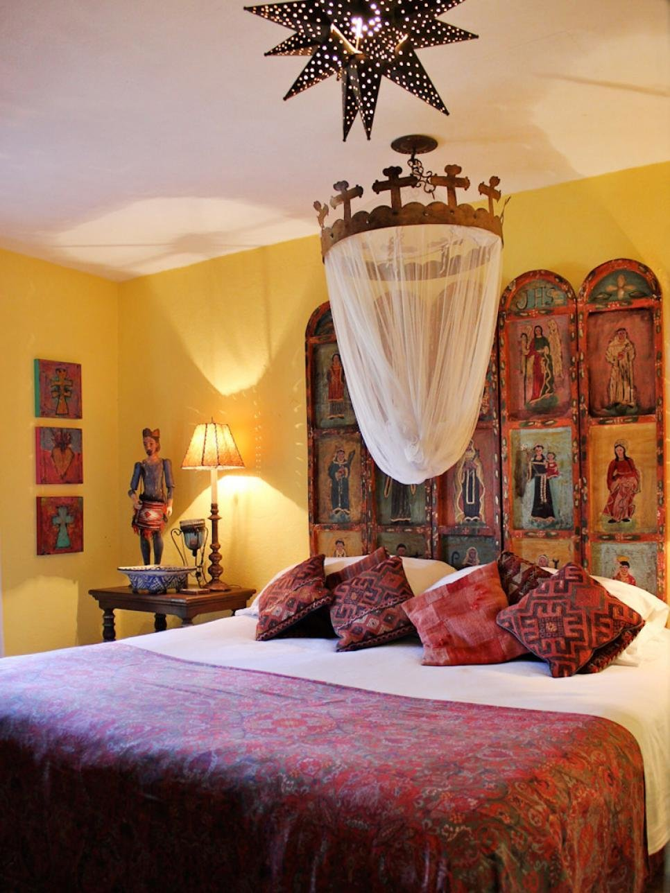 Best 10 Spanish Inspired Rooms Hgtv With Pictures