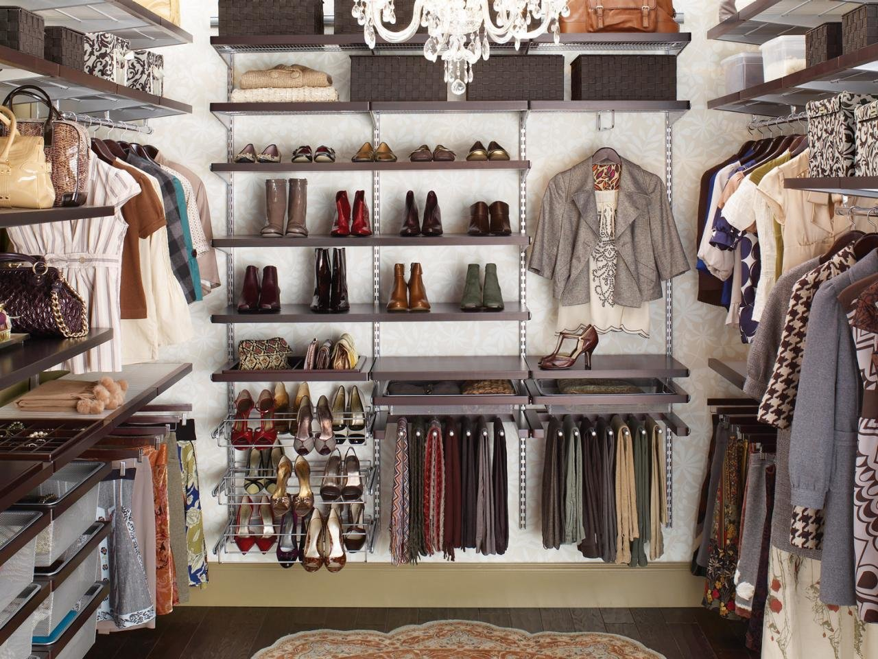 Best Make Your Closet Look Like A Chic Boutique Bedrooms With Pictures