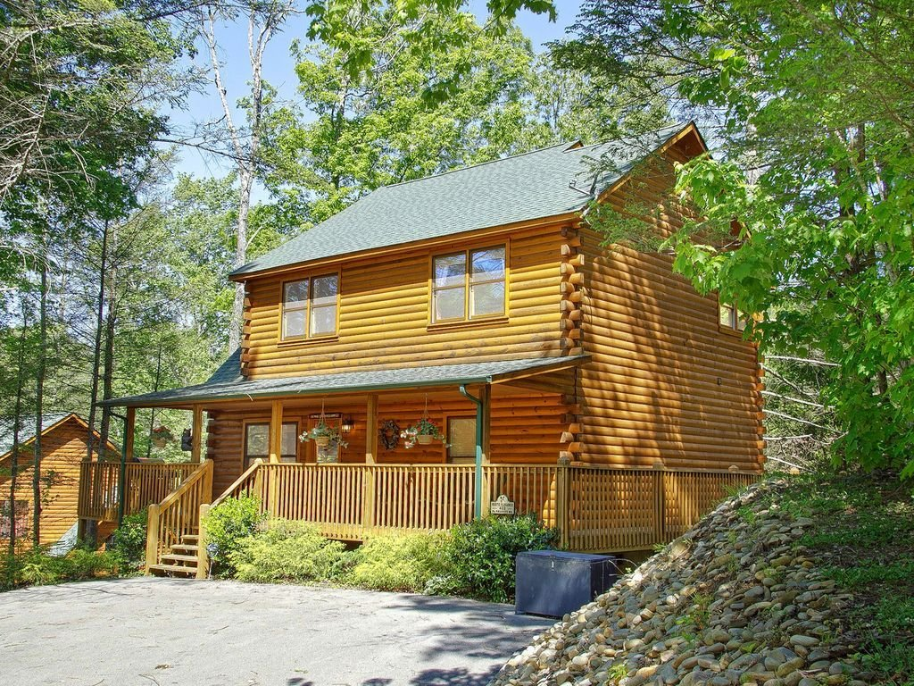 Best Gatlinburg 2 Bedroom Cabin Updated With Vrbo With Pictures