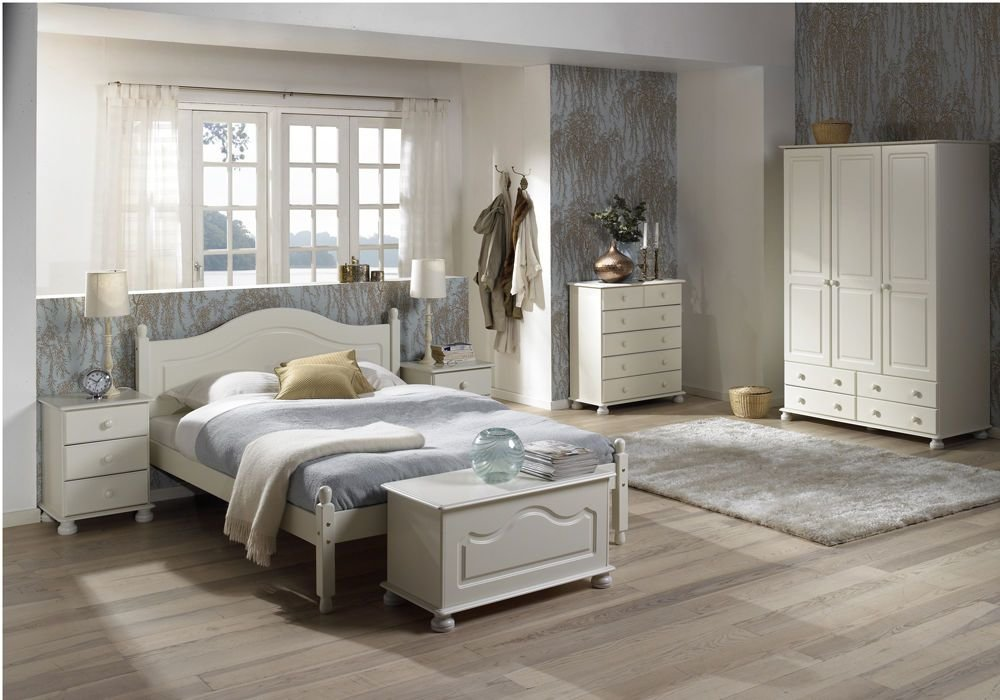 Best Richmond Ii White Romantic Bedroom Set With Pictures