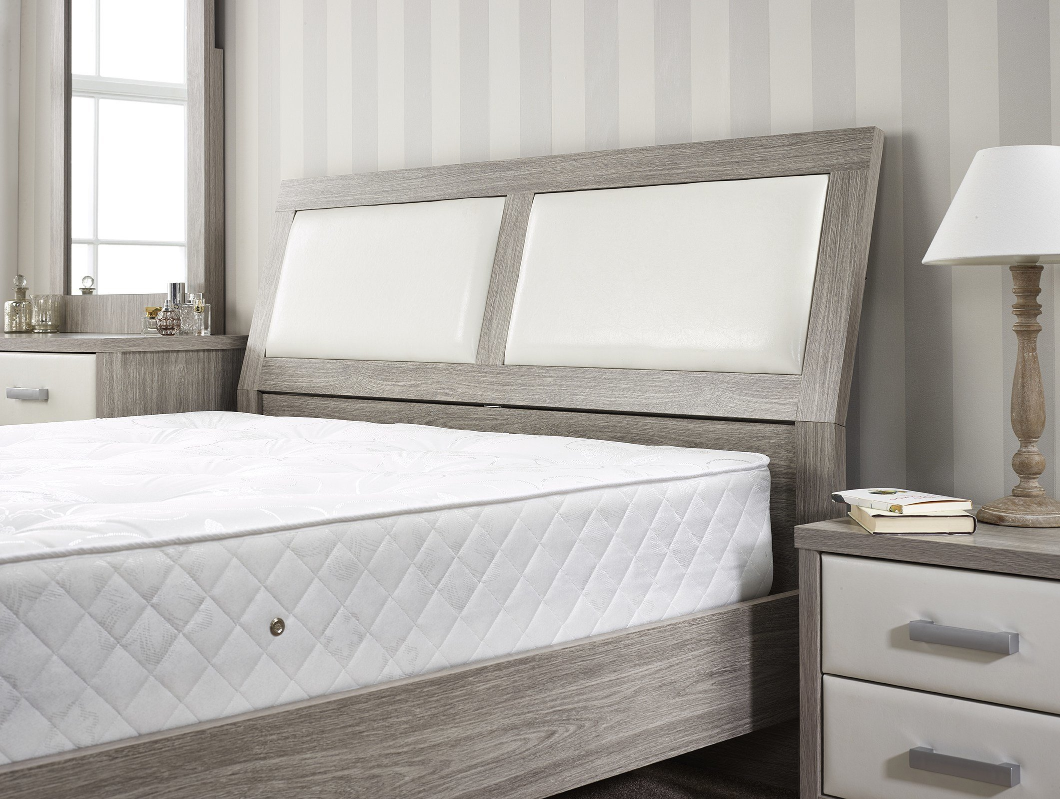 Best Aria Bedroom Set Full House Carpet Deals In Newcastle With Pictures