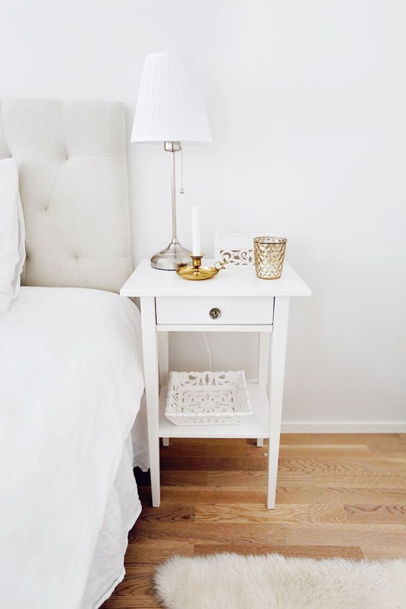Best 8 Essentials For Every Bedside Table With Pictures